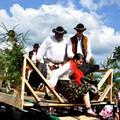 Obejrzyj galerię: XLIV Sabałowe Bajania - Paradny przejazd kapel, zespołów regionalnych i zaproszonych gości