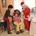 Obejrzyj galerię: Święty Mikołaj odwiedził DPS