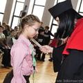 Obejrzyj galerię: Inauguracja roku akademickiego 2009/2010 Rabczańskiego Uniwersytetu Dzieci - pasowanie na studenta