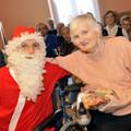 Obejrzyj galerię: Mikołaj w Domu Pomocy Społecznej