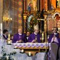 Obejrzyj galerię: Msza św. z zakopiańskiego kościoła Najświętszej Rodziny w TVP Polonia