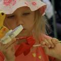 Obejrzyj galerię: Warsztaty wycinanki Ł'owickiej i zabawki ludowej dla dzieci
