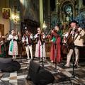 """Obejrzyj galerię: Kolędowanie z muzyką Rodziny Lassaków """"Heliosów"""""""