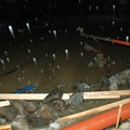 Obejrzyj galerię: Wezbrana woda podmyła Grunwaldzką