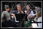 """Wspólne śpiewanie pieśni patriotycznych w """"Sokole"""""""