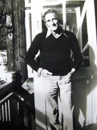 Tomasz Gluziński przed domem przy ul. Strążyskiej, fot. ze zbiorów rodziny Gluzińskich
