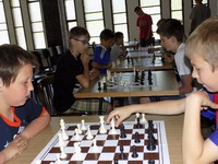 Dzień Dziecka przy szachownicach w krościeńskiej parafii
