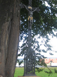 Naprawiono zabytkowy krzyż Starem Bystrem