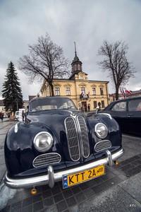 Automobile pod Ratuszem , czyli XVII Tatrzański Zlot Pojazdów Zabytkowych w Nowym Targu