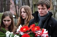 Młodzi oddali cześć poległym w Katyniu
