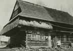 Tradycyjna architektura orawska na starej fotografii