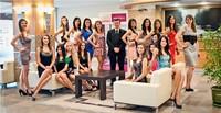 Finalistki Miss Polonia Małoposki 2011 - na zdjęciu Dyrektor Mercure Kasprowy - Philippe Campagno. Fot. Piotr Szałański