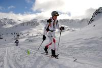 Julia Wajda na trasie zawodów w ski-alpinizmie