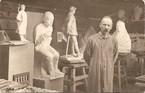 W. Brzega w pracowni, fot.E.Stercula, 1915