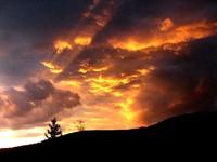 Piątkowy zachód słońca nad Kościeliskiem, fot. Wojciech Szatkowski