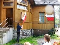 Naczelnik TOPR Jan Krzysztof odsłania tablice ku pamięci Zaruskiego