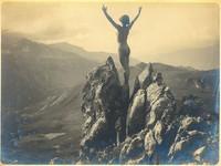 Akty kobiece w pejzażu górskim